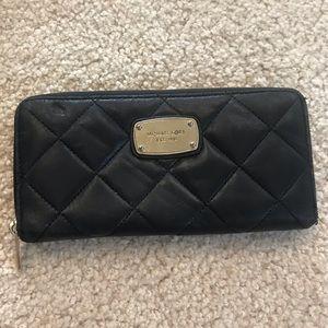 Michael kors wallet zipper